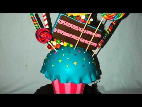 ... Oreo cookie, cupcake, gum balls, cake slice, more gum balls, ice ...