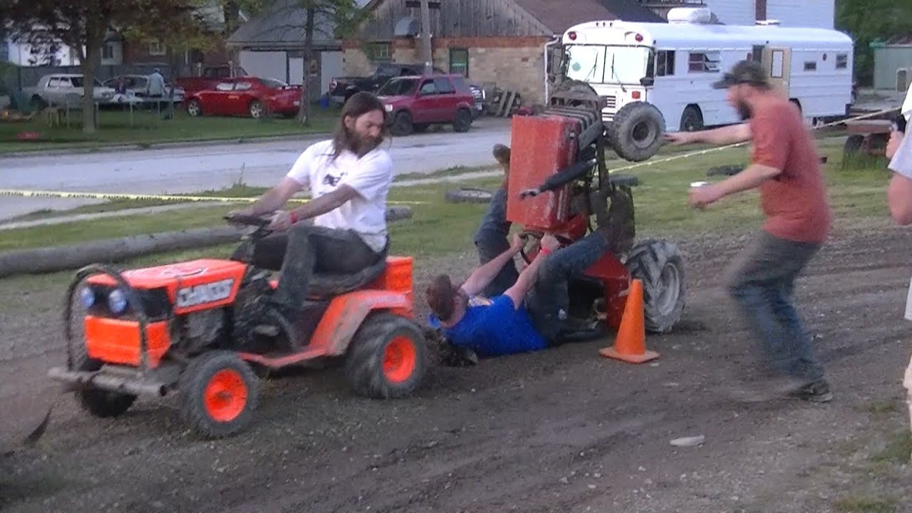Garden Tractor Pulling Crashes : Lawnmower pull gone bad youtube