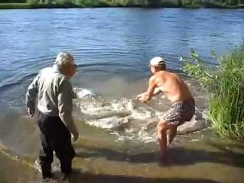 В Самарской области рыбаки поймали сома-гиганта