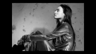 Watch Fiona Apple Valentine video