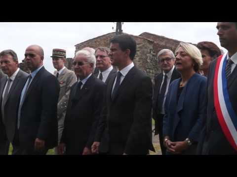 Oradour Sur Glane 2014 Mr Le Premier Ministre Manuel Valls arrive dans l'enceinte du village martyr