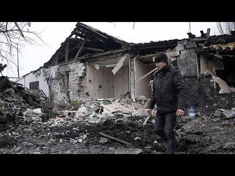 أوكرانيا:عودة الإقتتال إلى دونيتسك، فيما يتواصل تبادل الاتهامات بين كييف و موسكو
