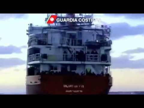البحرية الإيطالية تنقذ 450 مهاجرا غير شرعي | الجورنال