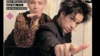 Watch Roxette Reaching High video
