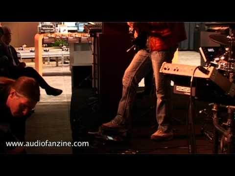 Roland GR 55 Video Demo [NAMM 2011]