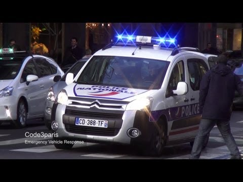Voitures de police (collection) // Police Cars Responding in Paris (collection)