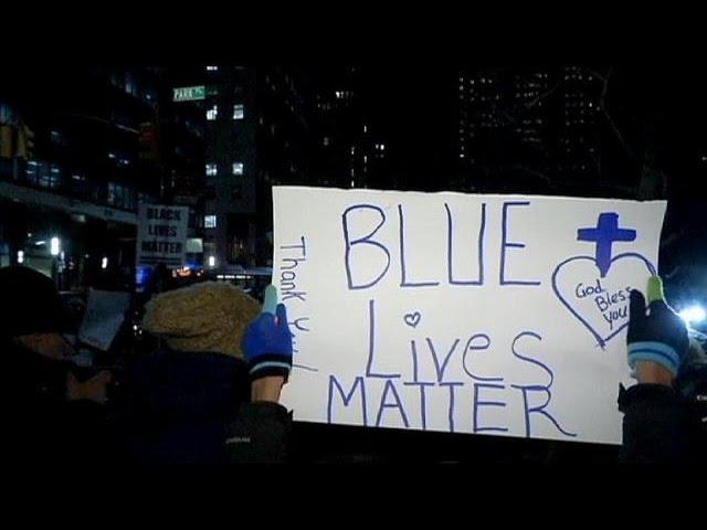 EUA: Nova-iorquinos manifestam-se a favor e contra a polícia