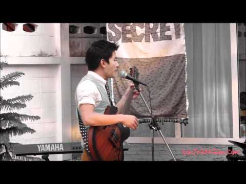 โทนี่ รากแก่นร้องเพลง@Baan Ekamai Part 1