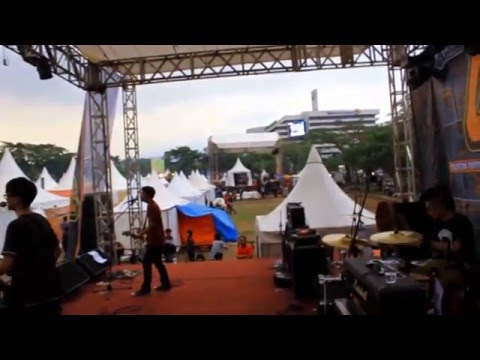 Twinkle And Bad Face Live at Bandcloth 2013