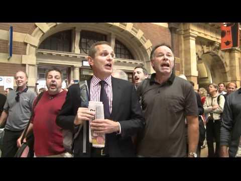 Christmas Flash Mob at Central Station