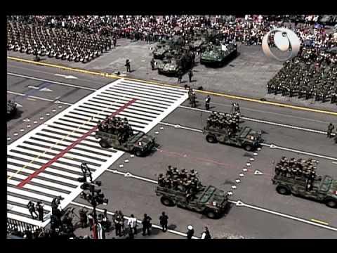 Desfile Militar Conmemorativo del CCII Aniversario del Inicio de la Independencia (2012)
