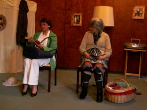 2 damen im zug sketch zum geburtstag geburtstagswelt. Black Bedroom Furniture Sets. Home Design Ideas