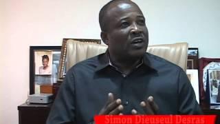 VIDEO: Haiti - Simon Dieuseul Deras di Sonson La Familia ka Kache nan yonn nan apartment President Martelly yo...