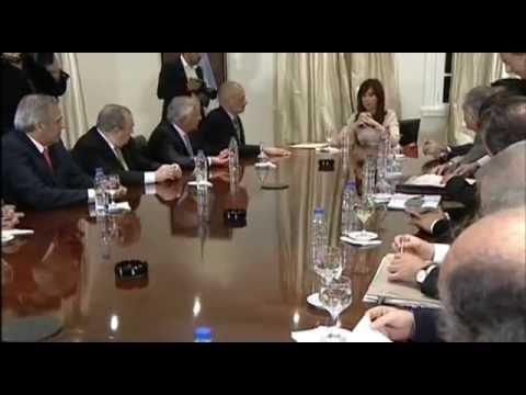 16 de SEP. La Presidenta se reunió con gobernadores por la Ley de Hidrocarburos.