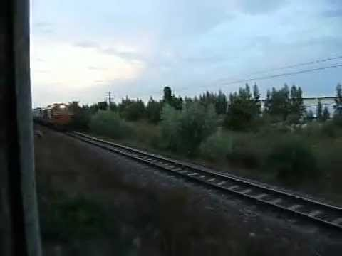 [SRT] Steam engine trian No.902 vs. Diesel Electric train No.136