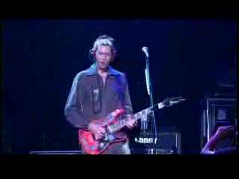 Paul Gilbert - Viking Kong (Guitar Wars)