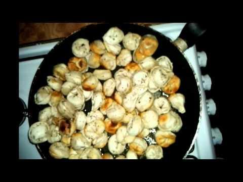 Как жарить пельмени на сковороде - видео
