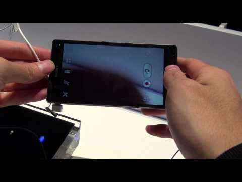Xperia Z (purple color) hands on!!