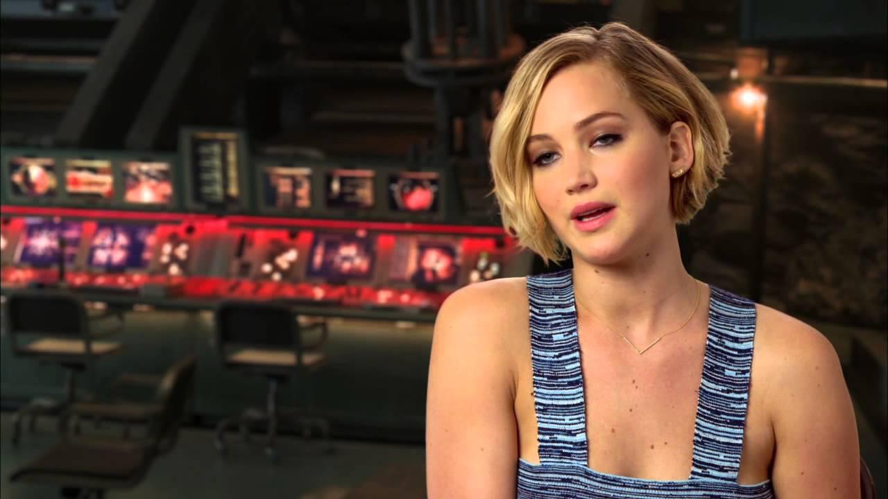 Jennifer Lawrence - Mo...