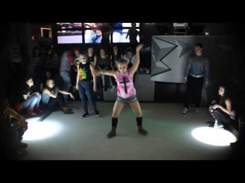 Dancehall battle FINAL Gaika(win) vs Muchacha