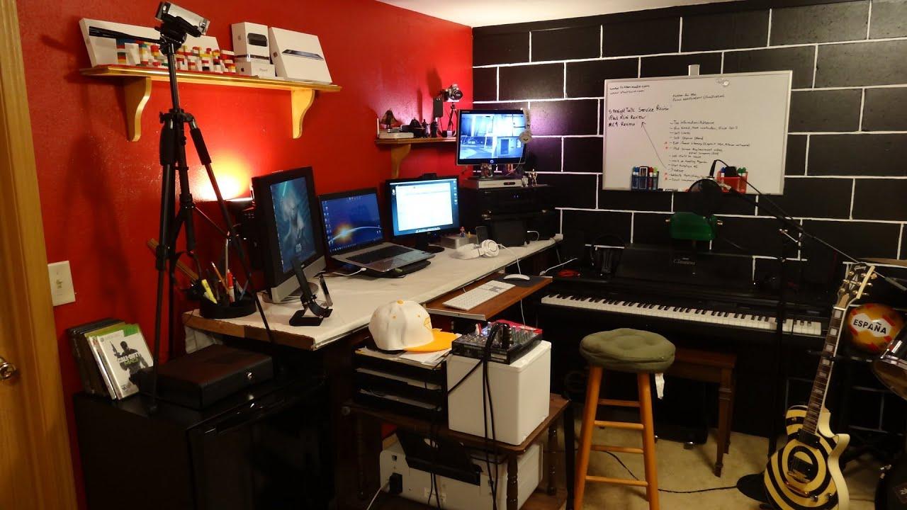 Tour Of A Geek 39 S Room Setup 2012 Youtube