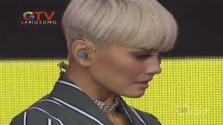 AGNEZ MO Bright Awards 2017 Behind the Stage
