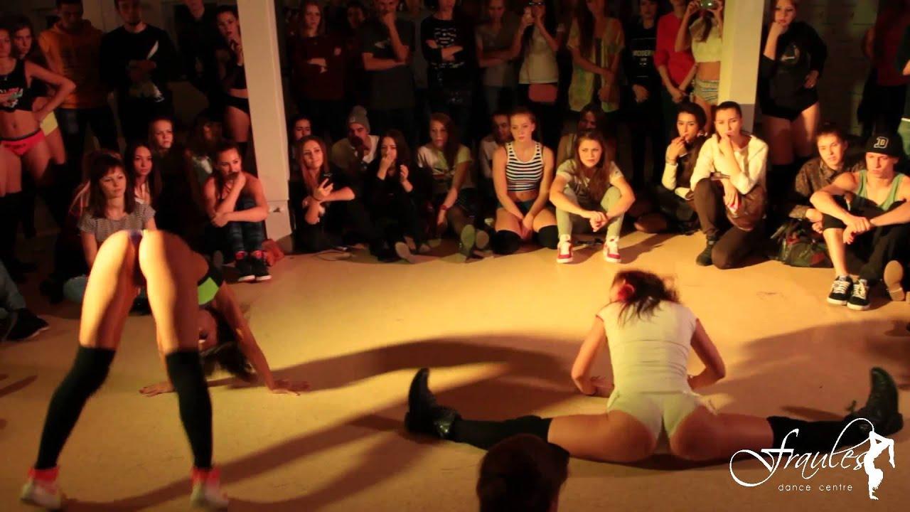 Танец попку тристи в эмираты видё просмотр 14 фотография