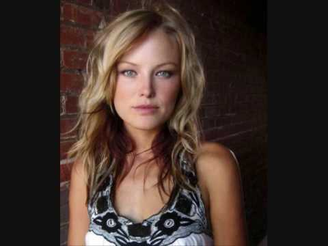Malin Akerman - Swedish Radio (Bonus Material) Summer host