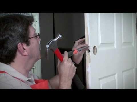 C mo instalar una cerradura youtube - Como barnizar una puerta ...
