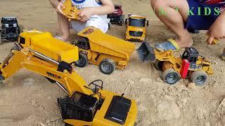 Đồ Chơi Máy Xúc Điều Khiển Từ Xa - Bé Bảo Bảo Chơi Xe Ô Tô, Máy Xúc Ngoài Bãi Cát Excavator Truck