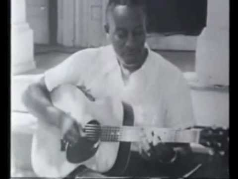 www.Play-Blues-Guitar.eu - Hey, Hey - Big Bill Broonzy - Acoustic Blues Guitar