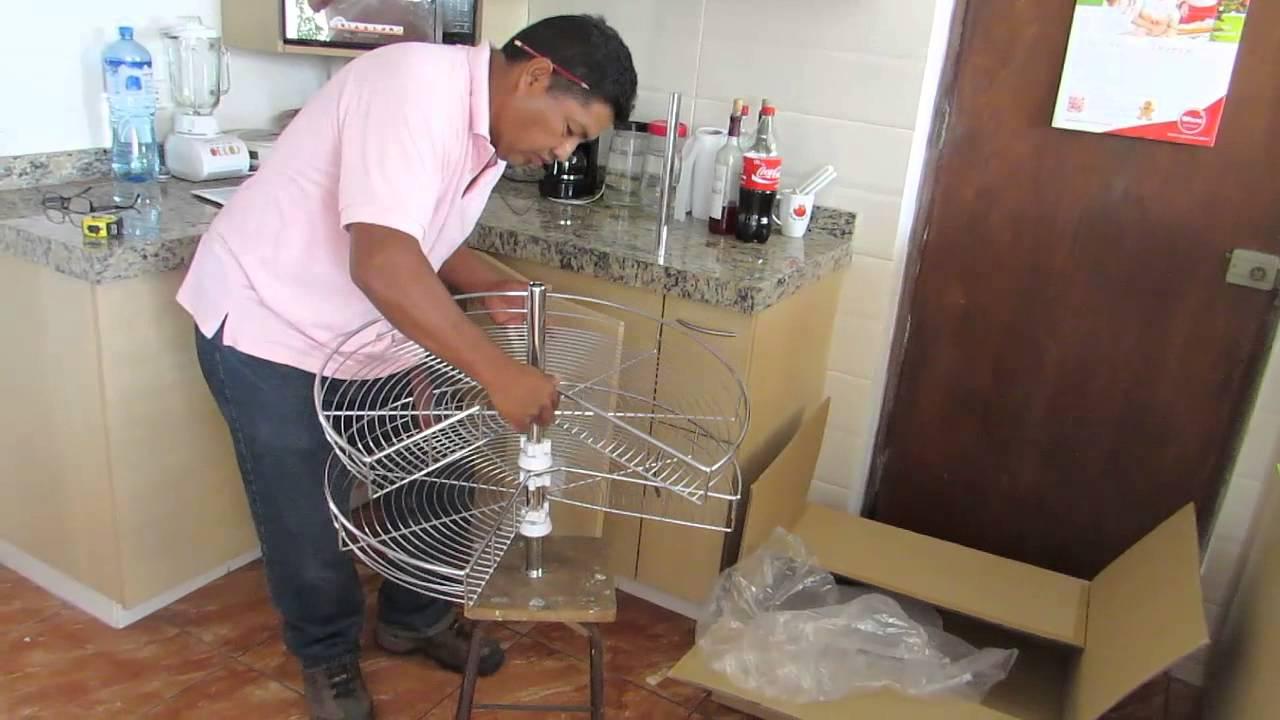 Instalar plato canasto giratorio bajo mesada en mueble for Mueble esquinero de melamina