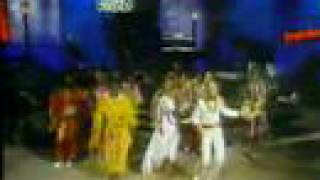 Earth Wind & Fire with Natalie Cole - Medley