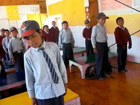 Nomadic children in Druk White Lotus School in Ladakh.mp4