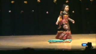 Resam ka roomal by Jayanshi - Frankfort Diwali Kids Dance 2008
