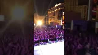 Backstreet Boys - Don't go breaking my heart - Live in Las Vegas