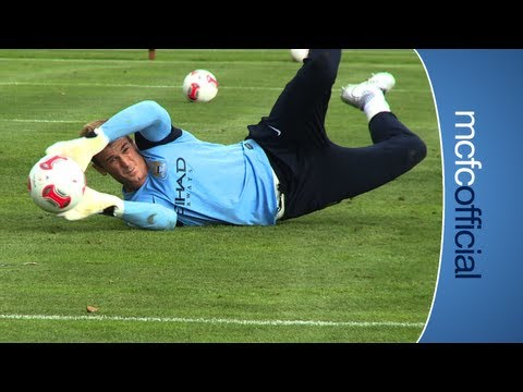 AUDI CUP: Bayern Munich watch City train