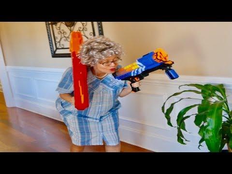 Nerf War: Granny/Nerf VS. Nicholas/X-shot; Creepy Clown
