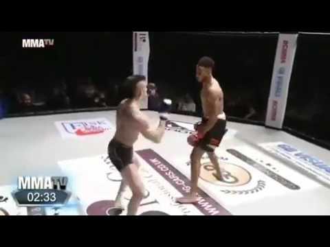 MMA kebanyakan gaya dan sok jagoan akhirnya KO secara memalukan