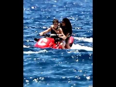 Justin Bieber & Selena Gomez hitting the beach in Maui, Hawaii (May 26, 2011) thumbnail
