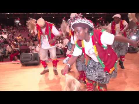 Danse Ntioh par la Diaspora Bafou des USA :  LEMOU BAFOU USA