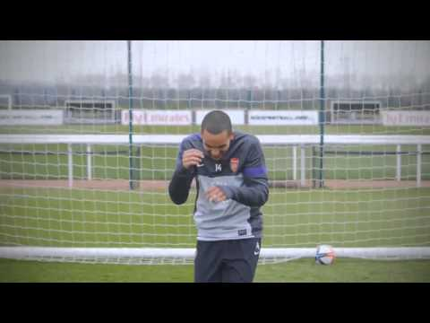 Walcott, Podolski, Arteta, and Szczesny make quirky(Weird)  Emirates advert (HD)