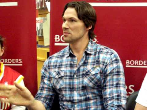 Daniel Cudmore Q&A New Moon DVD Release Party in Houston Part 2 Video