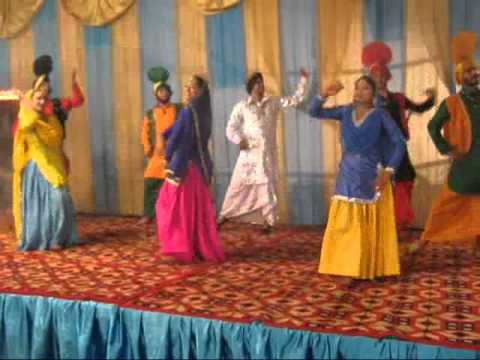 Mein Wari, Mein Wari Meri......bhangra gidda In Ladies-sangeet By: Gayatri & Party (since 1995) video