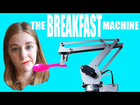 朝食をセットして、食べさせる!?めちゃくちゃなロボット。