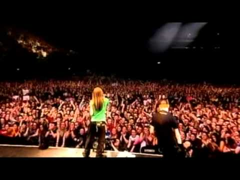 Avril Lavigne - Basket Case (Cover Green Day) (Live in Dublin 2003) Legendado #HD