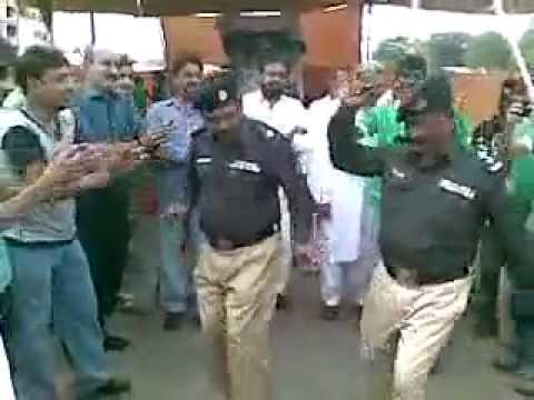 Latest 2014 Pakistani Police Dance & Thumka. SUBSCIBE ME