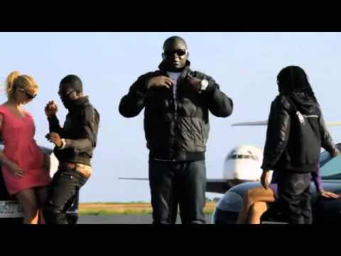 R2bees Feat. Wande Coal - Kiss Your Hand video
