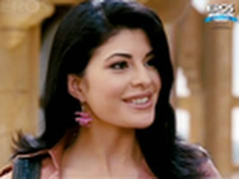 Sahil Khan Invites Jacqueline For Partying - Aladin video