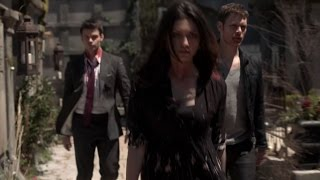 The Originals 1x22 Klaus, Hayley & Elijah go to save the baby